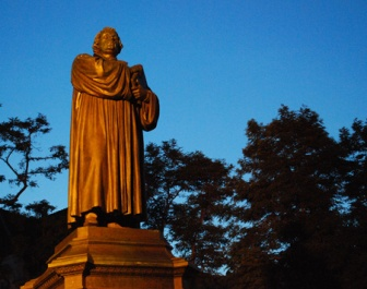 Martin Luther Statue Karlsplatz Eisenach